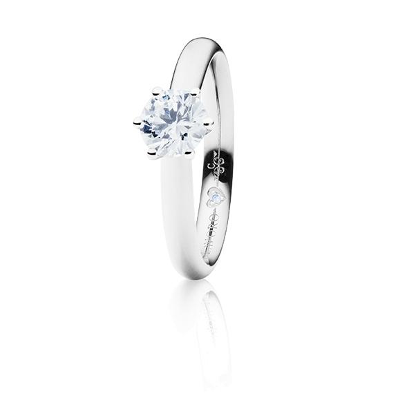 "Ring ""Diamante in Amore"" 750WG 6-er Krappe, 1 Diamant Brillant-Schliff 0.70ct TW/vs1 GIA Zertifikat, 1 Diamant Brillant-Schliff 0.005ct TW/vs1"