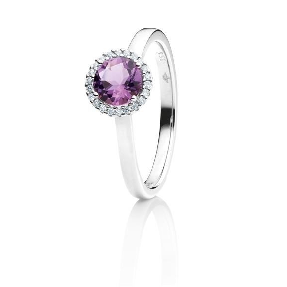 """Ring """"Espressivo"""" 750WG, Amethyst medium facettiert Ø 6.0 mm ca. 0.70ct, 22 Diamanten Brillant-Schliff 0.06ct TW/si1"""