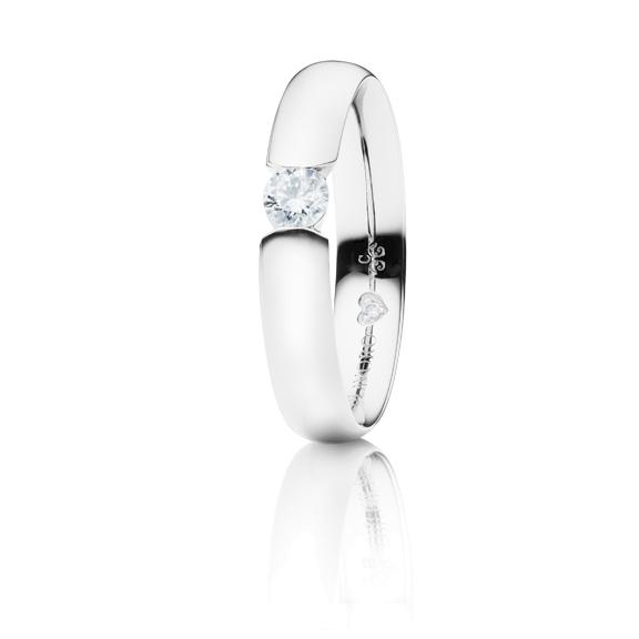 """Ring """"Diamante in Amore"""" 750WG Spannoptik, 1 Diamant Brillant-Schliff 0.20ct TW/vs1, 1 Diamant Brillant-Schliff 0.005ct TW/vs1"""