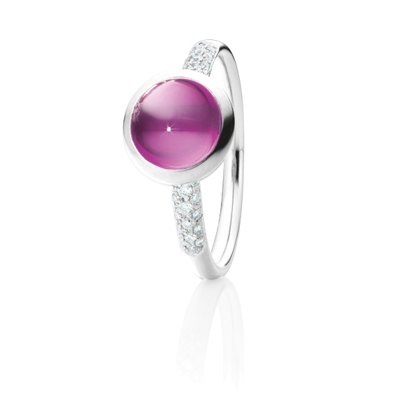"Ring ""Velluto"" 750WG, Granat Royal Purple Cabochon Ø 8.0 mm ca. 2.5ct, 30 Diamanten Brillant-Schliff 0.12ct TW/vs"