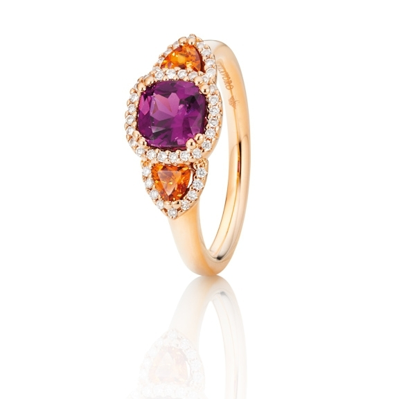 "Ring ""Espressivo"" 750RG, Granat Royal Purple antik 6.0 x 6.0 mm ca. 1.00ct, Granat Mandarin Trillion 3.5 x 3.5 mm ca. 0.30ct, 42 Diamanten Brillant-Schliff 0.15ct TW/si"