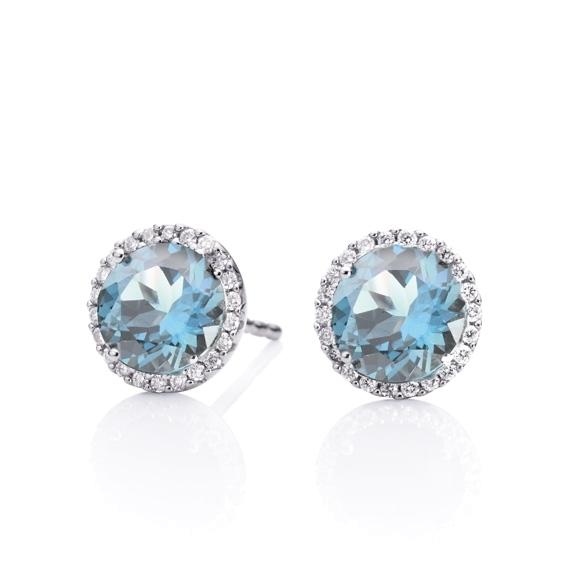 "Ohrstecker ""Espressivo"" 750WG, Topas sky blue facettiert Ø 6.0 mm, 44 Diamanten Brillant-Schliff 0.16ct TW/si"