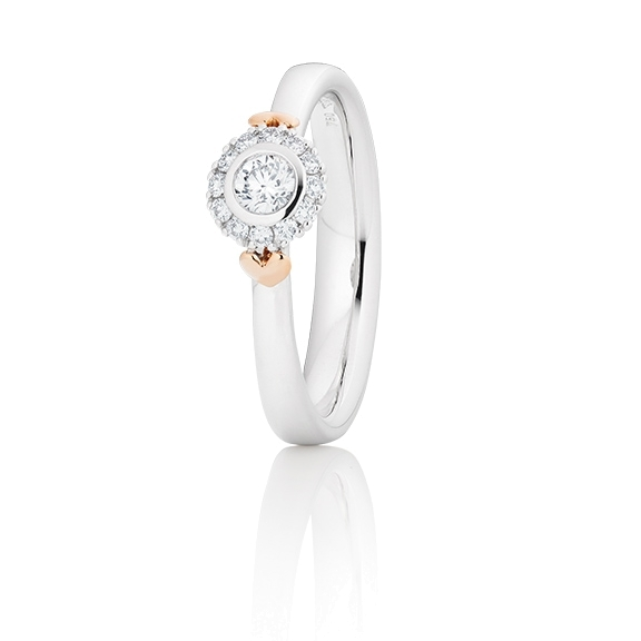 "Ring ""My Love"" 750WG mit seitl. RG-Herz, 1 Diamant Brillant-Schliff 0.15ct TW/vs1, 12 Diamanten Brillant-Schliff 0.09ct TW/vs1"