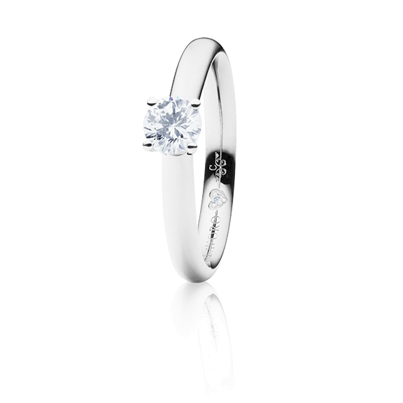"Ring ""Diamante in Amore"" 750WG 4-er Krappe, 1 Diamant Brillant-Schliff 0.50ct TW/vs1 GIA Zertifikat, 1 Diamant Brillant-Schliff 0.005ct TW/vs1"