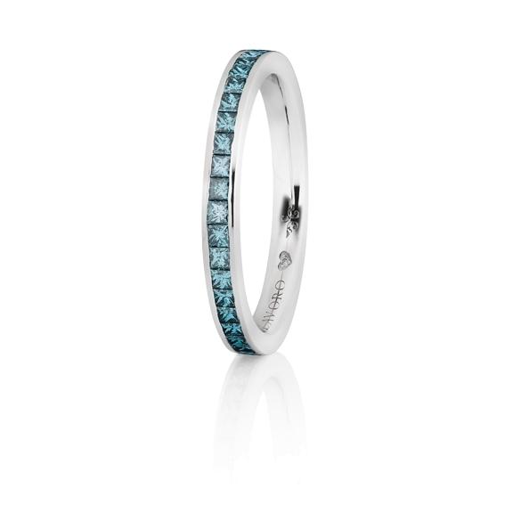"""Memoirering """"Diamante in Amore"""" 750WG, ca. 23 Diamanten Princess-Schliff 0.45ct oceanblue behand., 1 Diamant Brillant-Schliff 0.005ct TW/vs1"""