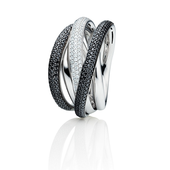 "Ring ""Cielo"" 750WG, 103 Diamanten Brillant-Schliff 0.412ct TW/si, 222 Diamanten Brillant-Schliff 0.888ct schwarz beh."