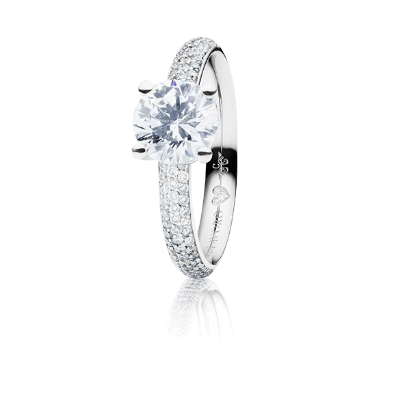 "Ring ""Diamante in Amore"" 750WG 4-er Krappe-Pavé, 1 Diamant Brillant-Schliff 1.00ct TW/vs1, GIA Zertifikat, 62 Diamanten Brillant-Schliff 0.60ct TW/vs1, 1 Diamant Brillant-Schliff 0.005ct TW/vs1"