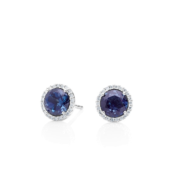 "Ohrstecker ""Espressivo"" 750WG, Saphir blau facettiert Ø 6.0 mm, 44 Diamanten Brillant-Schliff 0.12ct TW/si"
