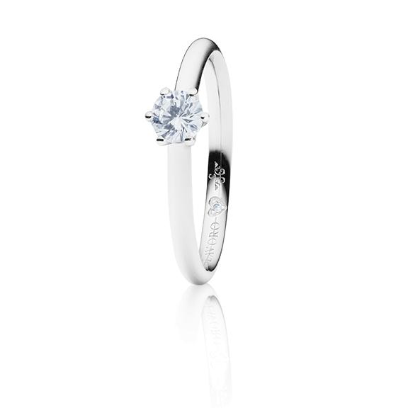 "Ring ""Diamante in Amore"" 750WG 6-er Krappe, 1 Diamant Brillant-Schliff 0.40ct TW/vs1 GIA Zertifikat, 1 Diamant Brillant-Schliff 0.005ct TW/vs1"
