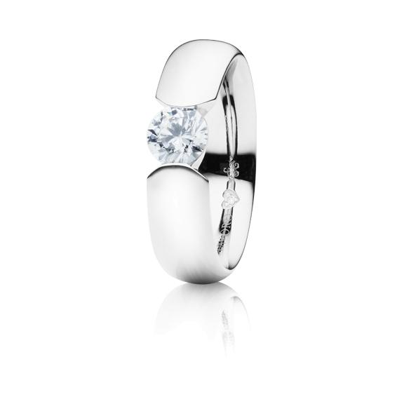 """Ring """"Diamante in Amore"""" 750WG Spannoptik, 1 Diamant Brillant-Schliff 1.00ct TW/vs1 GIA Zertifikat, 1 Diamant Brillant-Schliff 0.005ct TW/vs1"""