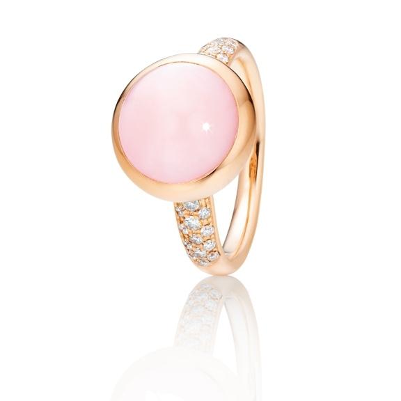 "Ring ""Velluto"" 750RG, Opal pink Cabochon Ø 11.0 mm ca. 7.0ct, 30 Diamanten Brillant-Schliff 0.26ct TW/vs"