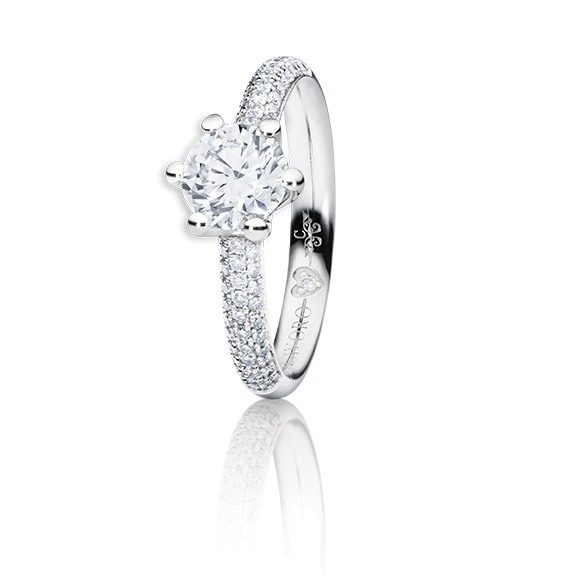 "Ring ""Diamante in Amore"" 750WG 6-er Krappe-Pavé, 1 Diamant Brillant-Schliff 1.00ct TW/vs1 GIA Zertifikat, 62 Diamanten Brillant-Schliff 0.60ct TW/vs1, 1 Diamant Brillant-Schliff 0.005ct TW/vs1"