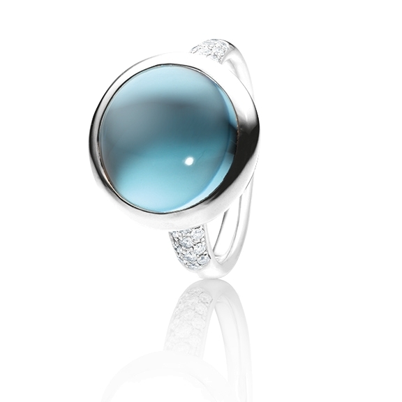 "Ring ""Velluto"" 750WG, Topas aqua Cabochon Ø 14mm, ca.13,0ct, Pavé 30 Brillanten 0,30ct TW/vs"