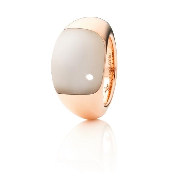 "Ring ""Serenade"" 750RG, Mondstein champagne Cabochon 16.0 x 13.0 mm ca. 13.5ct"