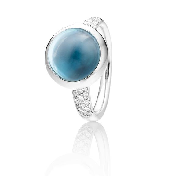"Ring ""Velluto"" 750WG, Topas sky blue Cabochon Ø 11.0 mm ca. 6.0ct, 30 Diamanten Brillant-Schliff 0.26ct TW/vs"