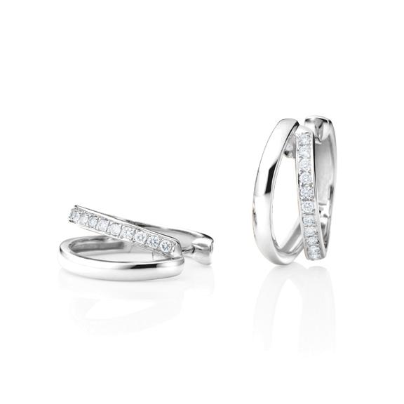 "Ohrcreolen ""La Donna"" 750WG, 30 Diamanten Brillant-Schliff 0.45ct TW/si"