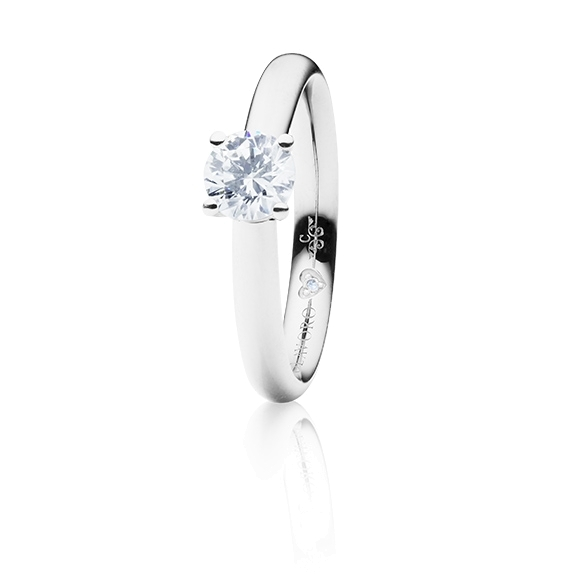 "Ring ""Diamante in Amore"" 750WG 4-er Krappe, 1 Diamant Brillant-Schliff 0.60ct TW/vs1 GIA Zertifikat, 1 Diamant Brillant-Schliff 0.005ct TW/vs1"
