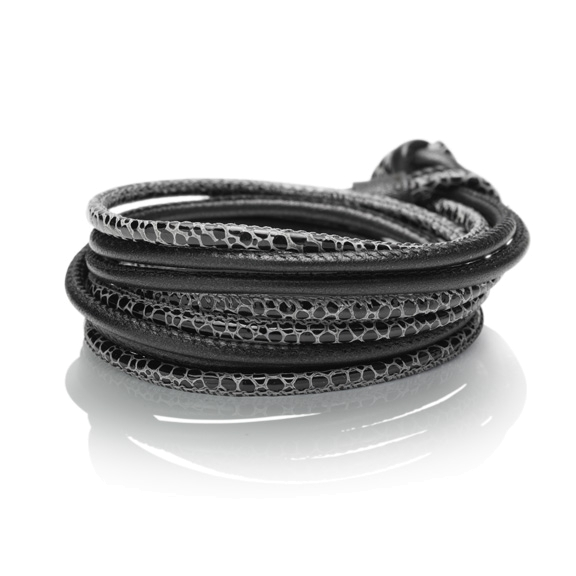 Armband, Kalbsleder schwarz Ø 3mm, 45 cm 4-reihig