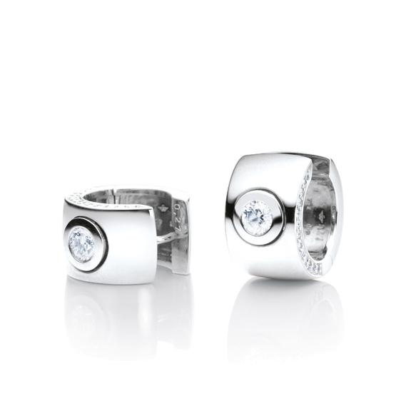 "Ohrcreolen ""Eleganza"" 750WG, 2 Diamanten Brillant-Schliff 0.50ct TW/si, 26 Diamanten Brillant-Schliff 0.18ct TW/si"