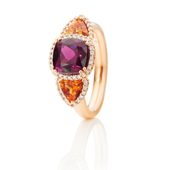 "Ring ""Espressivo"" 750RG, Granat Royal Purple Antik 8.0 x 8.0 mm, Granat Mandarin Trillion 5.0 x 5.0 mm, 52 Diamanten Brillant-Schliff 0.21ct TW/si"