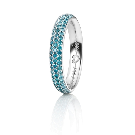 "Ring ""Diamante in Amore"" 750WG Pavé Farbverlauf, 30 Diamanten Brillant-Schliff 0.26ct sky blue beh., 24 Diamanten Brillant-Schliff 0.20ct ocean blue beh., 22 Diamanten Brillant-Schliff 0.19ct ice blue beh., 1 Diamant Brillant-Schliff 0.005ct TW/vs1"