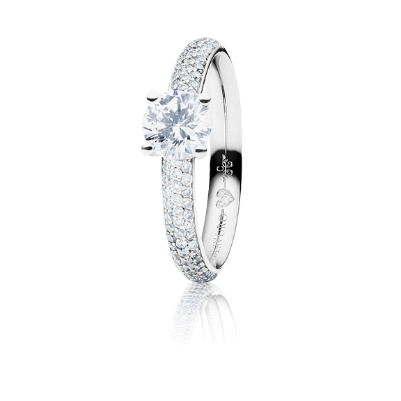 "Ring ""Diamante in Amore"" 750WG 4-er Krappe-Pavé, 1 Diamant Brillant-Schliff 0.70ct TW/vs1, GIA Zertifikat, 74 Diamanten Brillant-Schliff 0.45ct TW/vs1, 1 Diamant Brillant-Schliff 0.005ct TW/vs1"
