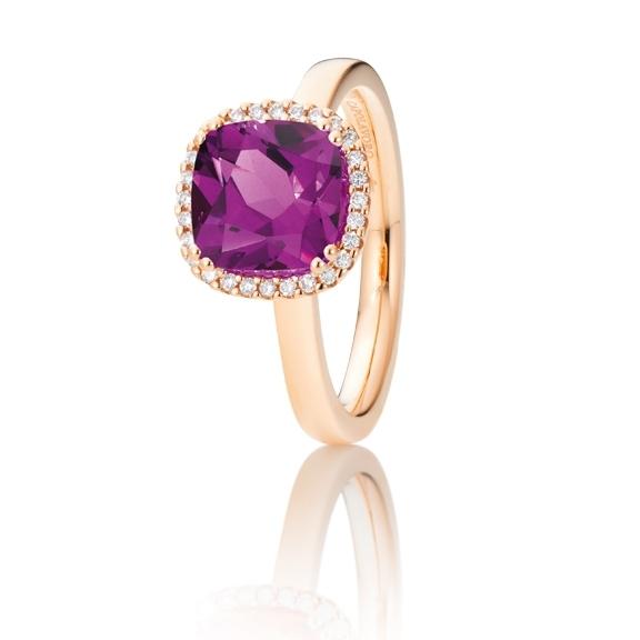 "Ring ""Espressivo"" 750RG, Granat Royal Purple antik 8.0 x 8.0 mm ca. 2.5ct, 28 Diamanten Brillant-Schliff 0.11ct TW/si"