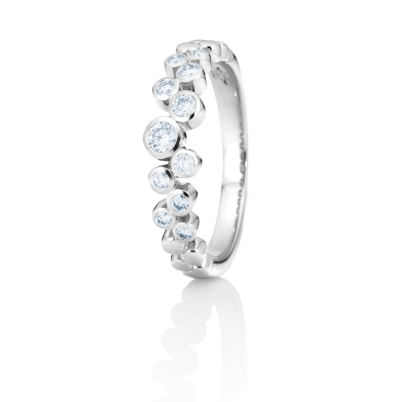 "Ring ""Prosecco"" 750WG, 11 Diamanten Brillant-Schliff 0.26ct TW/vs"