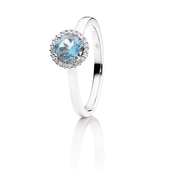 "Ring ""Espressivo"" 750WG, Topas sky blue facettiert Ø 6.0 mm, 22 Diamanten Brillant-Schliff 0.06ct TW/si"