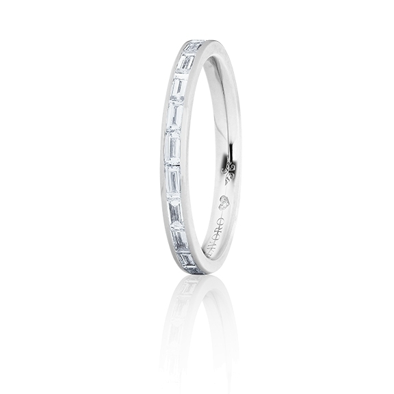 "Memoirering ""Diamante in Amore"" 750WG, 12 Diamanten Baguette-Schliff 0.70ct TW/vs1, 1 Diamant Brillant-Schliff 0.005ct TW/vs1"