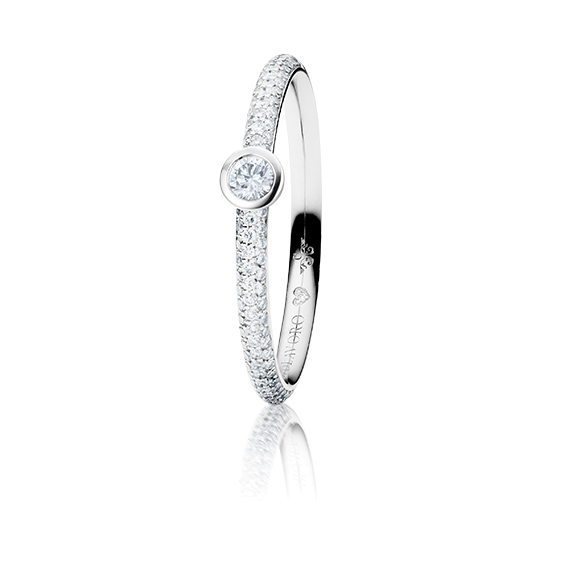"Ring ""Diamante in Amore"" 750WG Zargenfassung mit Pavé, 1 Diamant Brillant-Schliff 0.05ct TW/vs1, 98 Diamanten Brillant-Schliff 0.19ct TW/vs1, 1 Diamant Brillant-Schliff 0.005ct TW/vs"