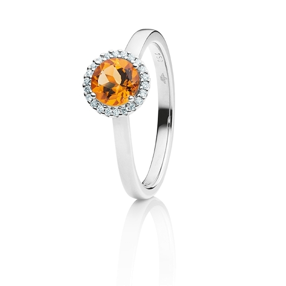 "Ring ""Espressivo"" 750WG, Granat Mandarin facettiert Ø 6.0 mm ca. 0.80ct, 22 Diamanten Brillant-Schliff 0.06ct TW/si"