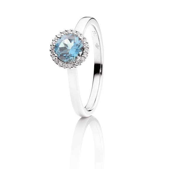 "Ring ""Espressivo"" 750WG, Topas sky blue facettiert Ø 6.0 mm ca. 1.00ct, 22 Diamanten Brillant-Schliff 0.06ct TW/si"