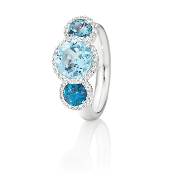 "Ring ""Espressivo"" 750WG, Topas sky blue facettiert ca. 2.25ct Ø 8.0 mm, Topas London blue facettiert ca. 1.10ct  Ø 5.0 mm, 50 Diamanten Brillant-Schliff 0.22ct TW/si"