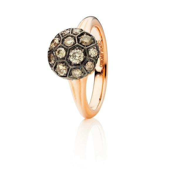 "Ring ""Fiore Magico"" 750RG Carreaufassung, 27 Diamanten Brillant-Schliff 0.92ct natural light brown"