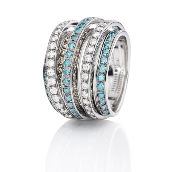 "Ring ""La Donna"" 750WG, 117 Diamanten Brillant-Schliff 2.925ct natural light brown - TW/si - ocean blue/si"