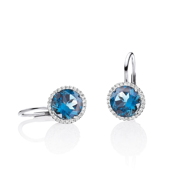"Ohrhänger ""Espressivo"" 750WG, Topas London blue facettiert Ø 9.0 mm, 56 Diamanten Brillant-Schliff 0.20ct TW/si"
