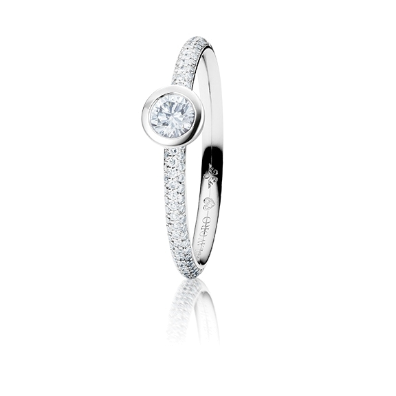 "Ring ""Diamante in Amore"" 750WG Zargenfassung mit Pavé, 1 Diamant Brillant-Schliff 0.25ct TW/vs1, 86 Diamanten Brillant-Schliff 0.27ct TW/vs1, 1 Diamant Brillant-Schliff 0.005ct TW/vs"