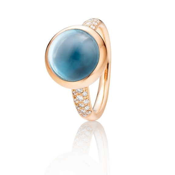 "Ring ""Velluto"" 750RG, Topas sky blue Cabochon Ø 11.0 mm ca. 4.5ct, 30 Diamanten Brillant-Schliff 0.26ct TW/vs"